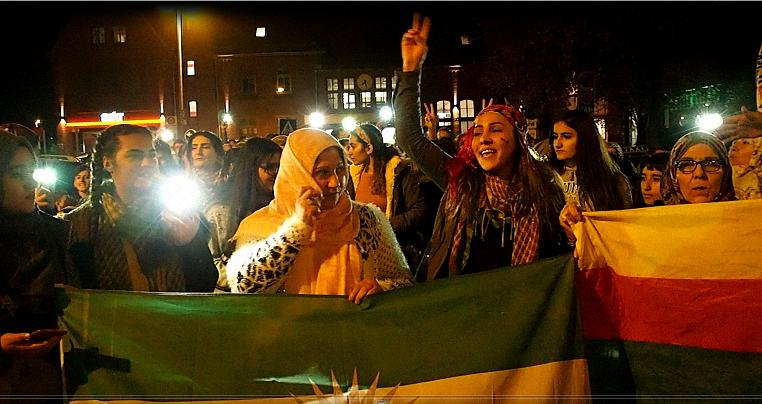 Lichterkette Demo Solidarität mit Rojava Cuxhaven